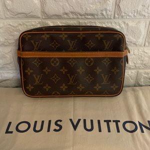 PERFECT Auth Louis Vuitton Compeigne 23 Cosmetics